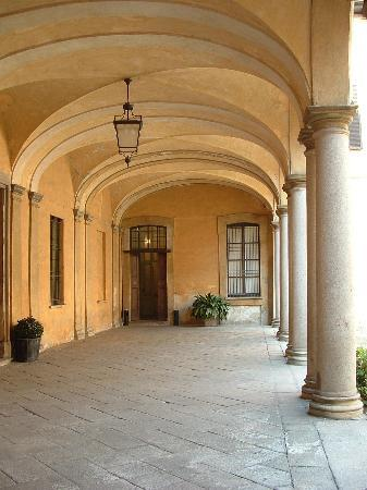 Palazzo Clerici: cortile d'onore