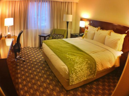Tysons Corner Marriott: Standard Room but Comfortable Bed