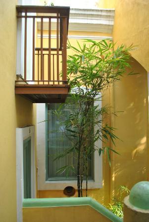 Hotel du Parc: Verandah, a window and ochre walls