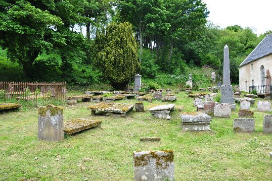 Ross and Cromarty, UK: Old cemetery next to East Church in Cromarty