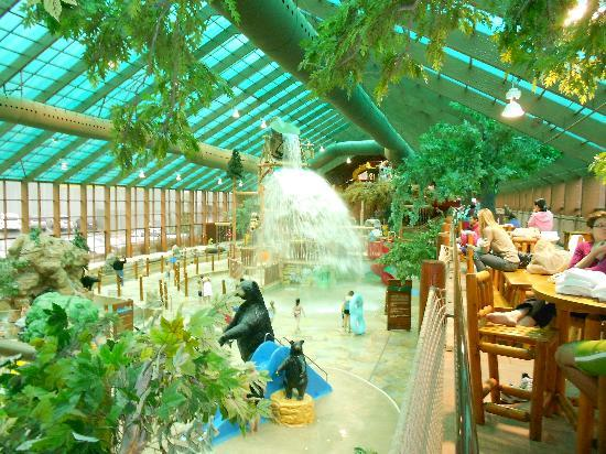 Wild Bear Falls Waterpark- TEMPORARILY CLOSED: Large Water Bucket Dumping on Kids