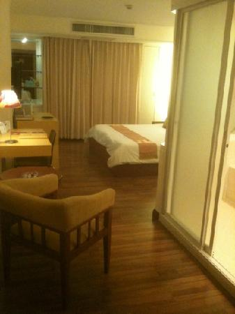 Hip Bangkok : the room I stayed in was so spacious