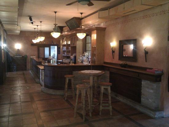 Mistelbach, Austria: kleine bar