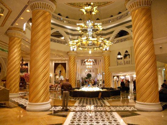 Jumeirah Zabeel Saray: Beautiful lobby