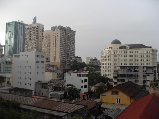 Asian Ruby Luxury Hotel: vue de la chambre