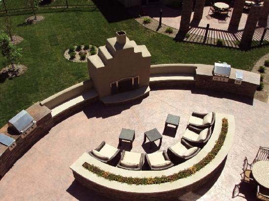 Staybridge Suites Indianapolis - Carmel : Outdoor Living Area