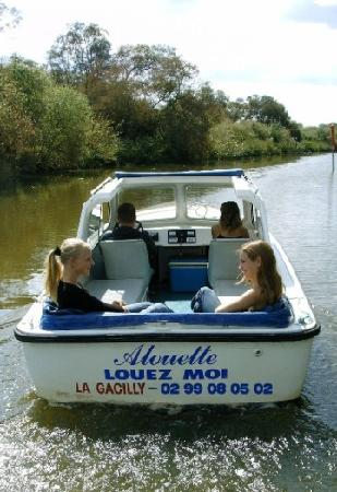 Day Boats: DAYBOATS La Gacilly