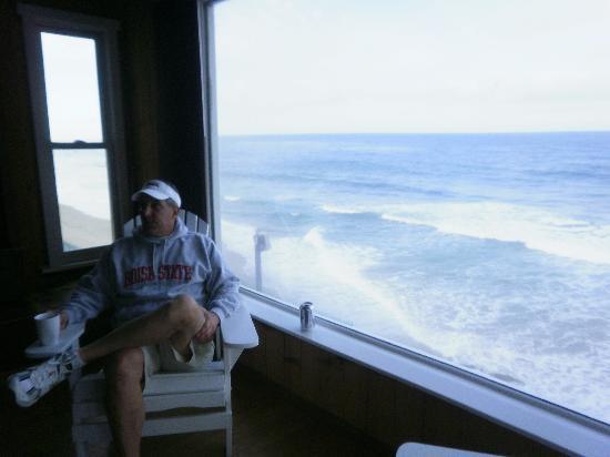 Laguna Riviera Beach Resort: the family window and view