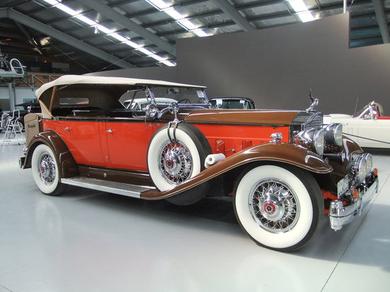 Warbirds & Wheels: 1932 Packard