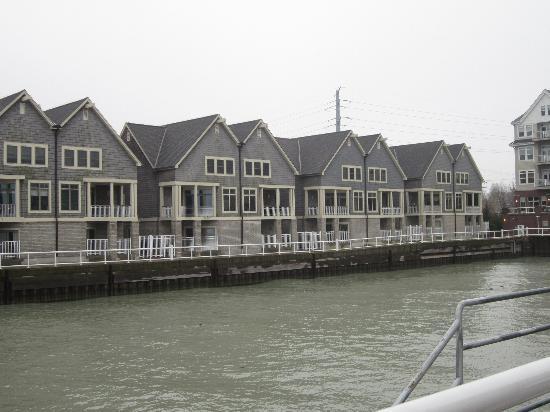 Holiday Inn Port Washington: Marina view