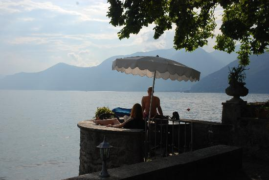 Hotel Camin Colmegna: Lazy afternoon on the lake