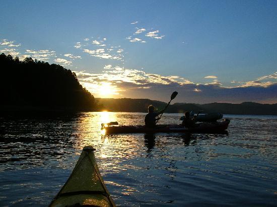 Parc Aventures Cap Jaseux: Sortie en Kayak de Mer au couché du soleil