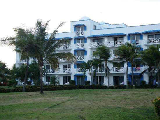 Hotel Playa Blanca Beach Resort: building 2