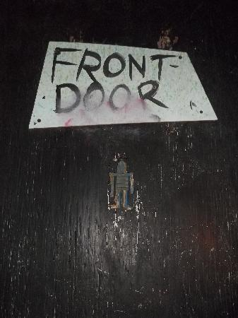 Black Cat Tours: front door