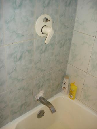 Viva Wyndham Dominicus Palace - An All-Inclusive Resort: douche en chambre surclassée....