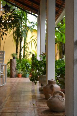 Chez Les Rois Guesthouse: Entrance