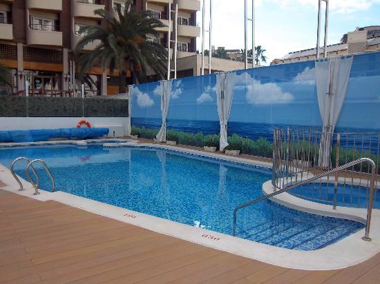 Riviera Beachotel: the pool