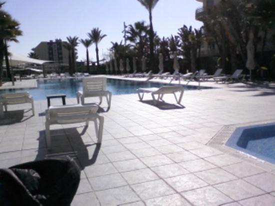 Caprici Verd: piscinas  para todos