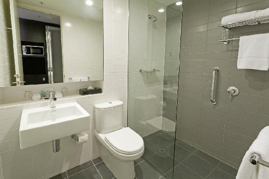 Causeway 353 Hotel: Deluxe King and Twin Room Ensuite