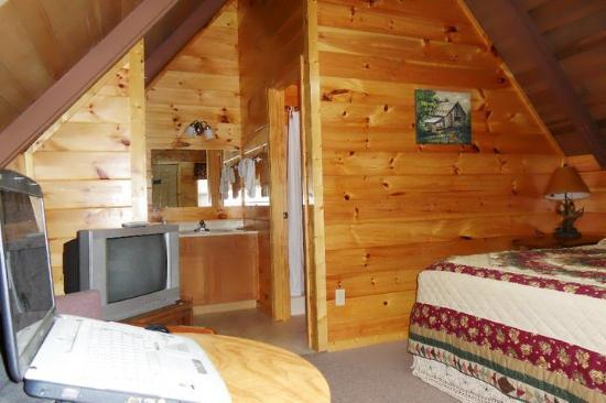 Foothills RV Park & Cabins: A frame cabin-2