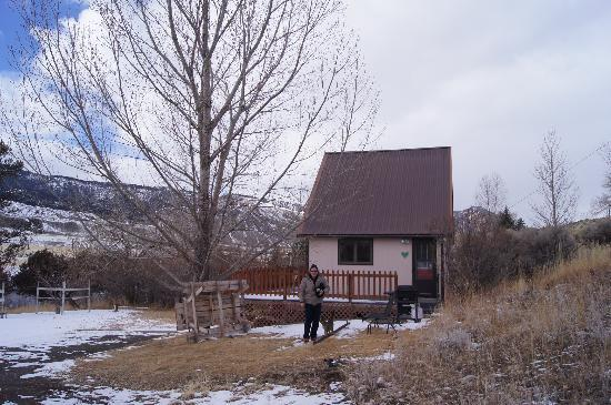 Headwaters of the Yellowstone Bed and Breakfast: Riverview Cabin