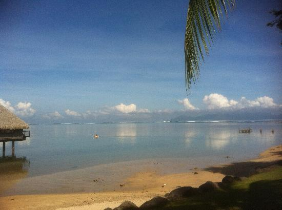 Le Meridien Tahiti: Calm lagoon great for kayak and snorkel