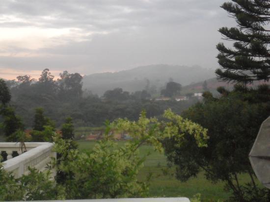 Passa Quatro, MG: Vista da varanda do quarto da pousada