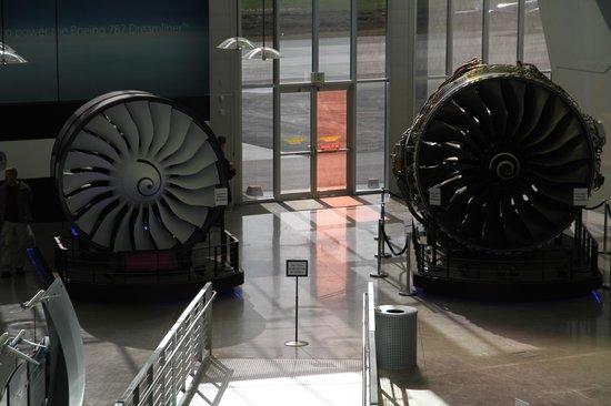 Future of Flight Aviation Center & Boeing Tour: Engines