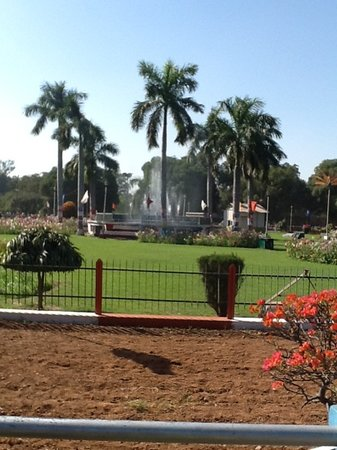 Allahabad, Hindistan: Musical fountain at the Company Garden