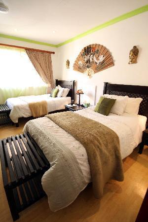 Jax Place Guest House : Bonsai Suite comfy enough for two