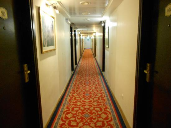 Jerusalem Gold Hotel: Hall in the 9th floor