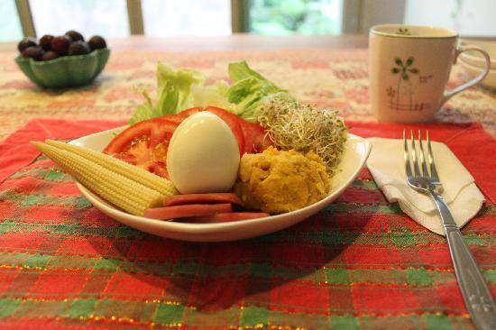 At-Home B&B: Breakfast good