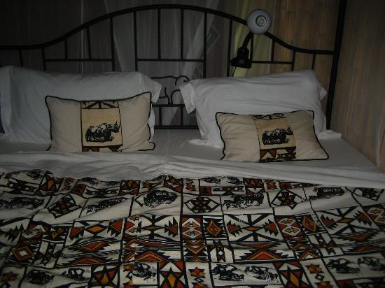 Octagon Lodge: Bed