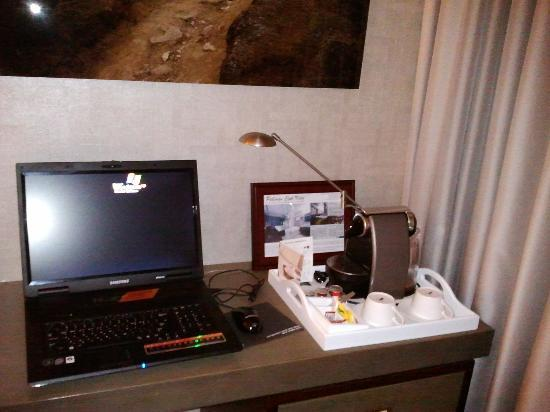 Pullman Ambassador Changwon City 7: Big Laptop