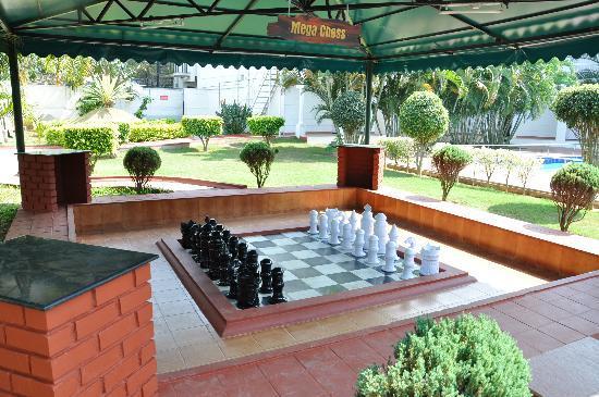 Confident Cascade: Mega Chess