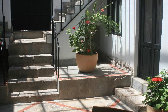 ساكاند هوم كوسكو: Courtyard