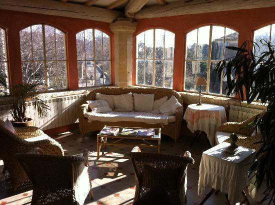 Chateau Roumanieres - Chambres d'hotes et vins : Le salon