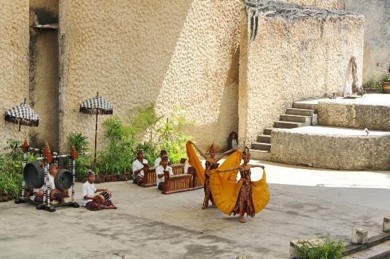 Garuda Wisnu Kencana Cultural Park: Tari Bali