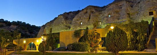 Casas Cuevas Bardeneras