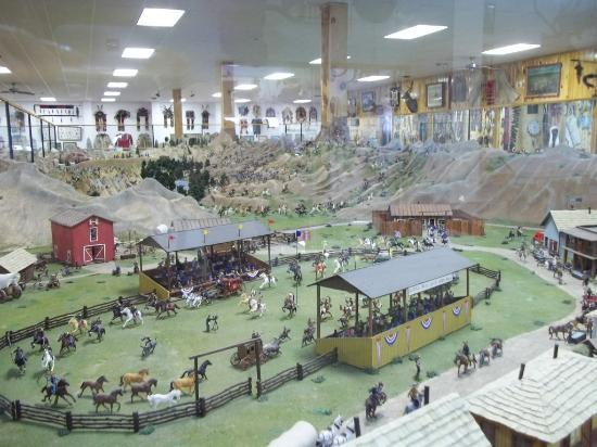 Old West Miniature Village and Museum: trail town