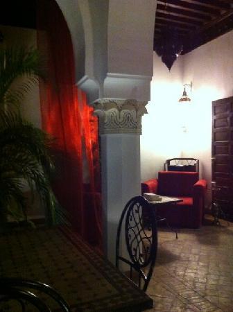 Riad Calista : le soir dans le patio