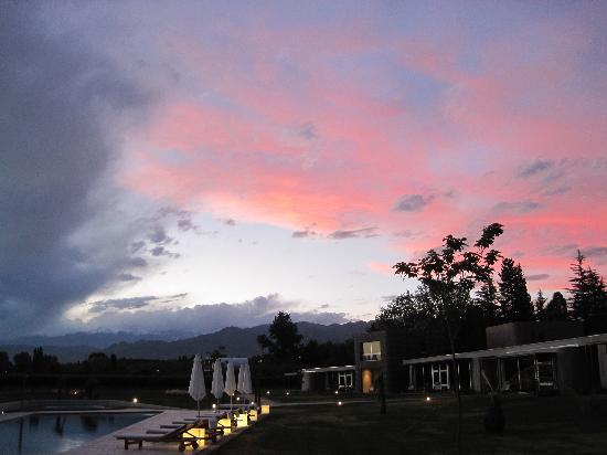 Entre Cielos: Sunset over the Andes