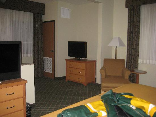Holiday Inn Express Lincoln South: from bed to living room