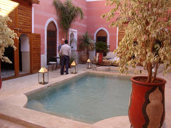 Riad Alili: photo de la piscine et du spa