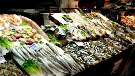 Modiano Market: Una delle molte pescherie del Modian Market