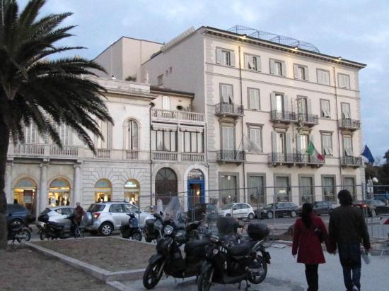 Plaza e De Russie Hotel: plaza hotel vista