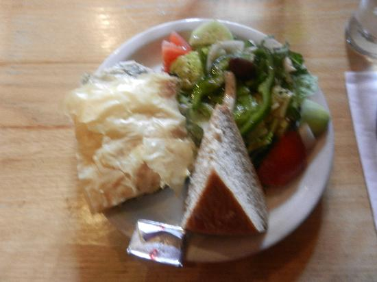 Poppi's Anatolia : A main plate less than $10
