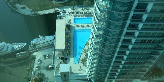 JW Marriott Marquis Miami: EPIC Pool & Deck New Door