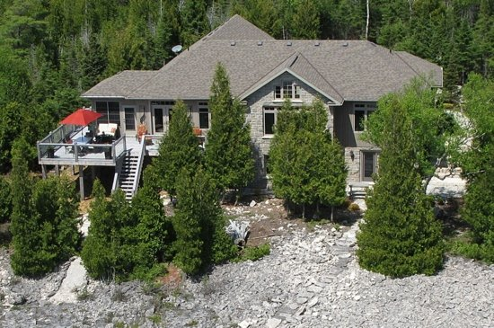 Acres on the Lake Bed and Breakfast