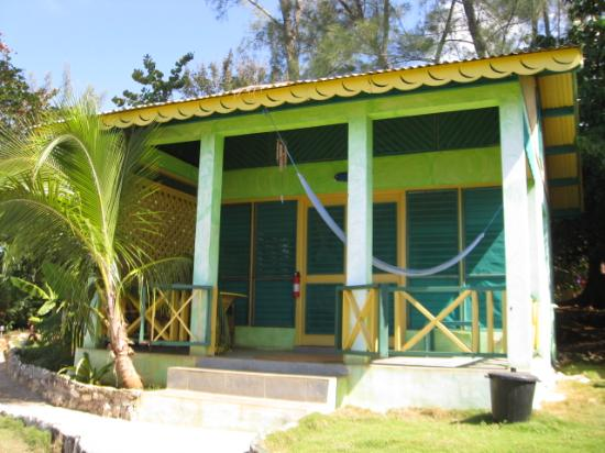 Banana Shout Resort: one of the dolphin houses